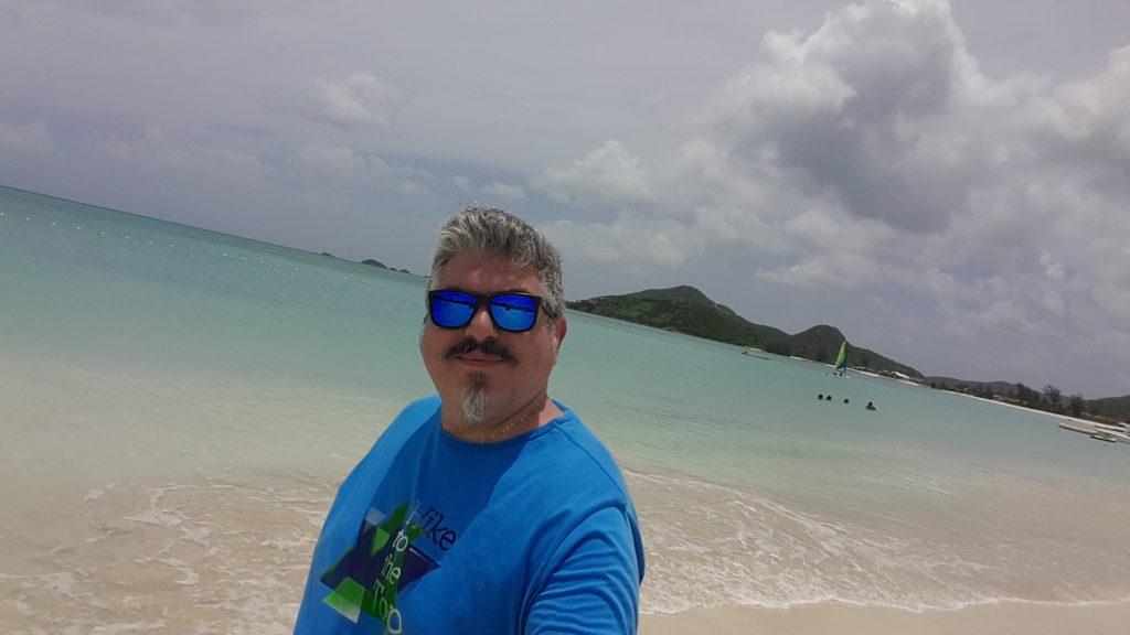 Io sulla spiaggia di Jolly Beach Bay Antigua