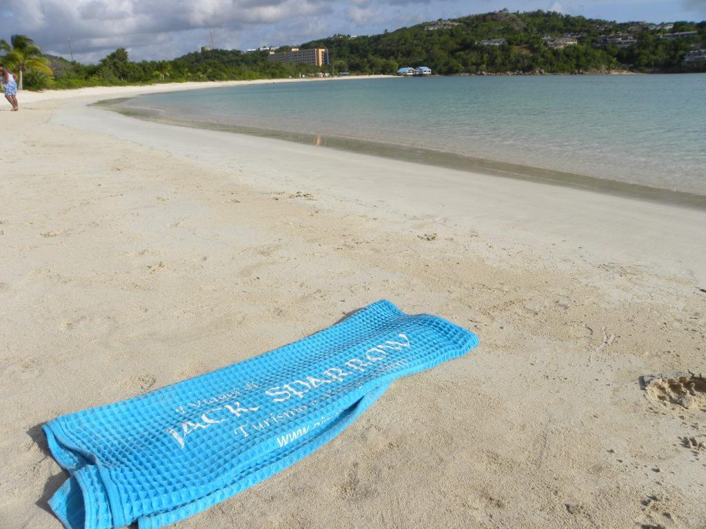 La spiaggia di Deep Bay Antigua